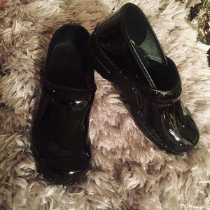 Dansko Black Patent Leather Clogs Sz 41
